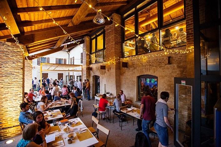 Mangiare all 39 aperto a milano 10 posti belli ed economici for Hotel milano centro economici