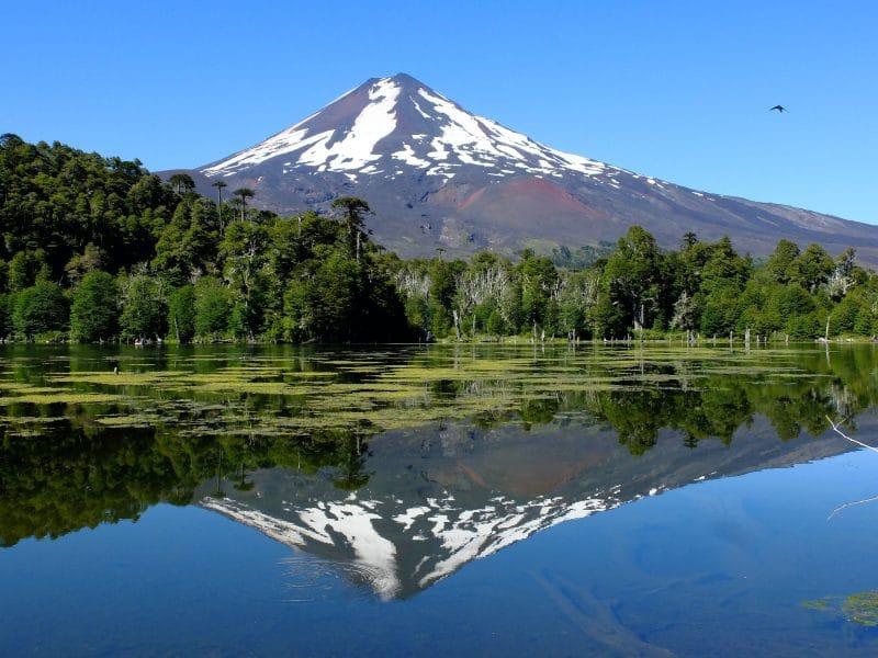 Cile del Sud: lago nel Parque National Conguillo