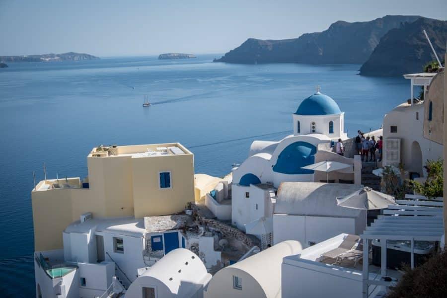 Santorini: un viaggio nell\'isola più romantica delle Cicladi