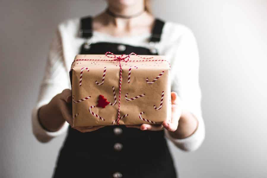 Regalo Natale Originale Per Lui.Idee Regalo Speciali E Originali Per Natale Per Lui E Lei