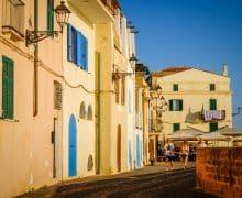 Cosa vedere ad Alghero: le spiagge, dove dormire, dove mangiare