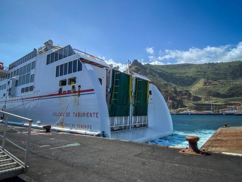 Traghetto per raggiungere La Palma