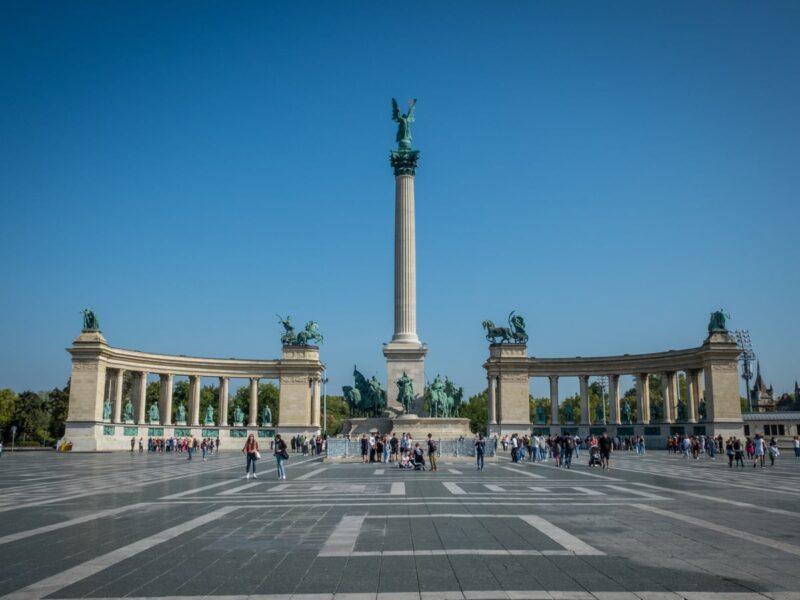 Hosok Tere - Piazza degli Eroi (Budapest)