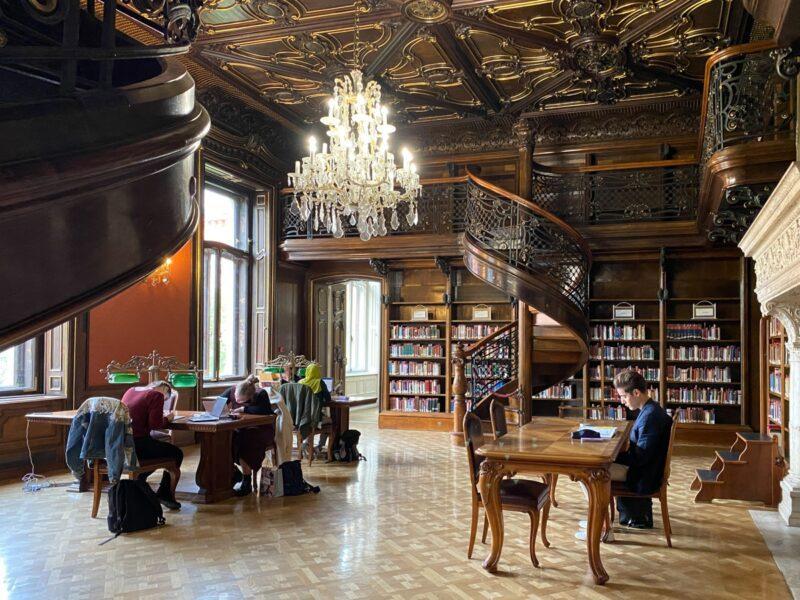 Biblioteca Ervin Szabò - Budapest