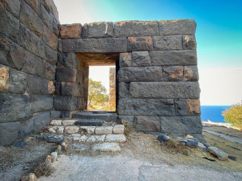 Nisyros - Mandhraki, Paleokastro